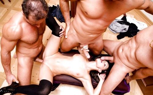 секс в 4 фото