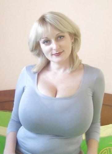 Мега сиськи зрелых женщин фото 37